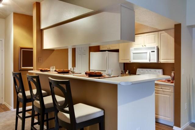 W Tarnowie nie brakuje pięknych mieszkań w wysokim standardzie. Spośród ofert w serwisie Gratka.pl wybraliśmy najciekawsze apartamenty w mieście i tuż pod nim. Jak się prezentują?