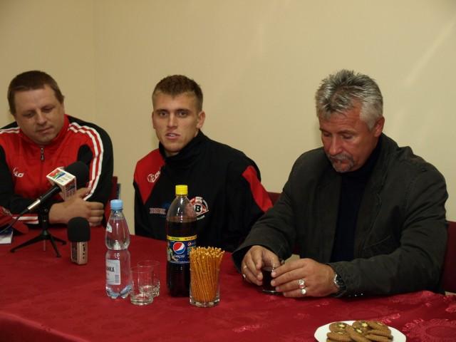 Waldemar Walkusz podczas konferencji prasowej
