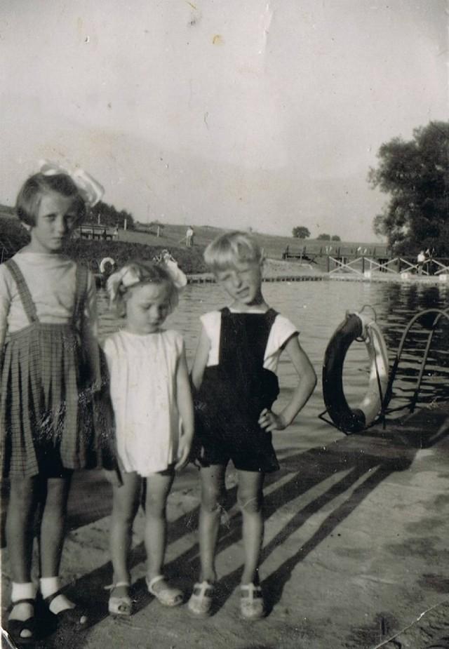 Zdjęcia nadesłane przez Pawła Widczaka, prowadzącego portal Crossen an der Oder. - Wiele zdjęć pochodzi z rodzinnych albumów - przyznaje Widczak. - Nie jestem do końca pewien czy wszystkie zdjęcia przedstawiają ten sam zbiornik, ale wiele na to wskazuje.