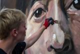 Powstał mural z wizerunkiem Anny Bilińskiej. Warszawa uhonorowała wybitną polską artystkę
