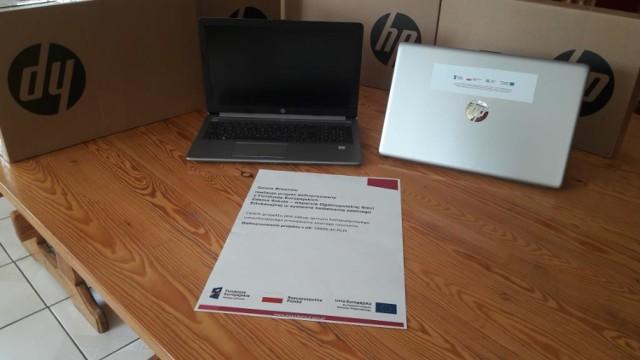 Laptopy dla uczniów ze szkół w gminie Blizanów