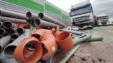 Wypadek na A1 pod Piotrkowem.  Na wysokości Siomek zderzyły się trzy ciężarówki i dostawcze iveco ZDJĘCIA