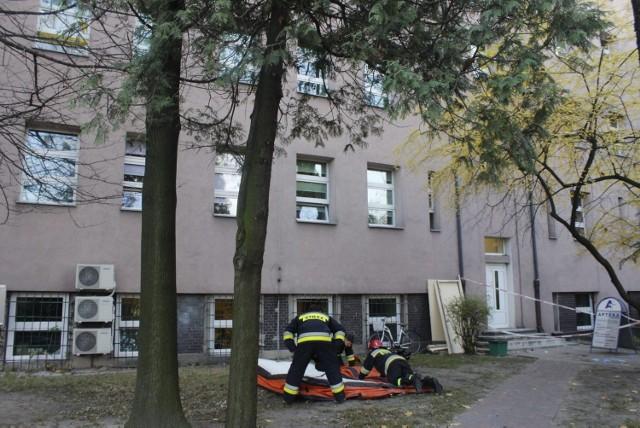 Próba samobójcza w szpitalu WAM. Mężczyzna wyskoczył z czwartego piętra