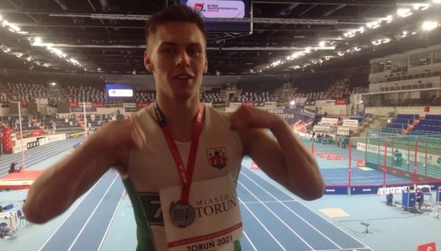 Szymon w łącznej kwalifikacji (z wynikiem 4618 punktów) ustanowił rekord Łęczycy i uplasował się na trzeciej pozycji w tabelach historycznych Łódzkiego Okręgowego Związku Lekkiej Atletyki