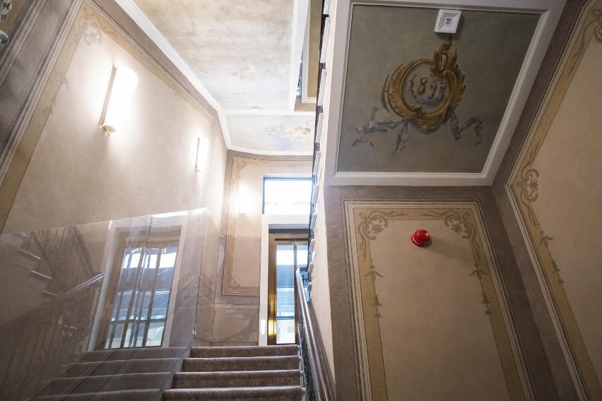 Foksal 13/15. Najdroższa kamienica w Warszawie. Mieszkania kosztują miliony. Jakie luksusy skrywa to miejsce?