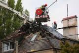 Pożar w Poznaniu. Paliło się poddasze domu przy ul. Głównej