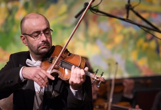 """Już w październiku odbędą się dwa koncerty Orkiestra Kameralna Polskiego Radia """"Amadeus"""", która każdego roku przynosi poznańskim melomanom wiele muzycznych uniesień. Na zdjęciu Jarosław Żołnierczyk."""