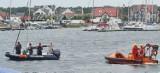 Zatoka Pucka: na wysokości Jastarni przewrócił się jacht z jednoosobową załogą. Żeglarza udało się uratować | NADMORSKA KRONIKA POLICYJNA