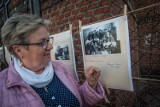 Wystawa kronik szkolnych w Kuźnicy: niesamowita podróż w czasie. Tu historia spisywana była na bieżąco od lat 40. XX wieku | ZDJĘCIA, WIDEO