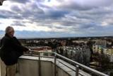 """Urodziny Wieży Braniborskiej w Zielonej Górze. Słynny """"Rondel z maczugą"""" ma 161 lat! Panorama z jej szczytu zapiera dech. Widać całe miasto!"""