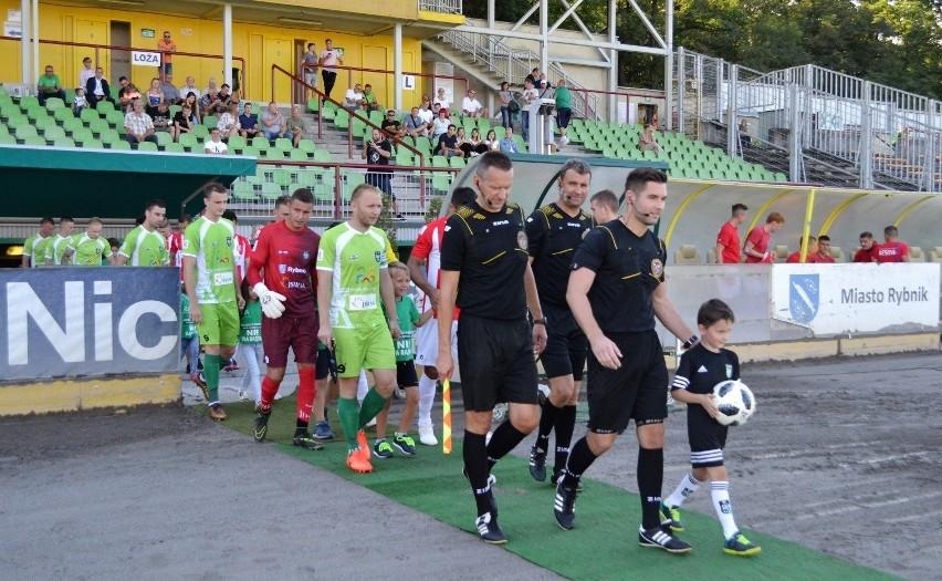 W piątek, 2 sierpnia, piłkarze ROW-u Rybnik zainaugurują...