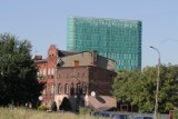Wieżowiec na Korfantego w Katowicach już gotowy, trwa wykańczanie. Ma 750 okien. Ale widok!