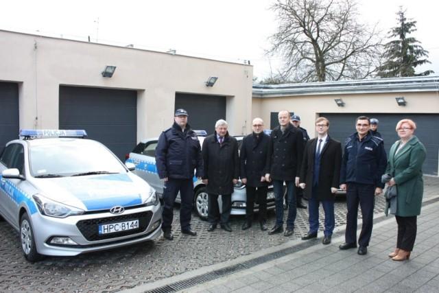 Cztery nowe radiowozy otrzymali policjanci z Chełmna