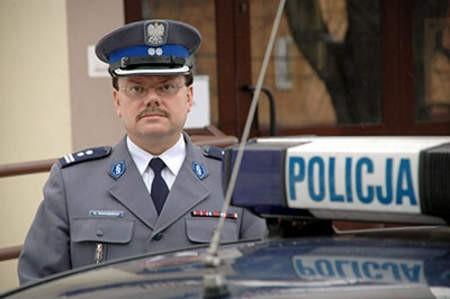 Gliniarzem jestem od 25 lat. Kocham tę robotę – mówi młodszy inspektor Krzysztof Mancewicz. Z żoną Małgorzatą ma 11-letnią córkę Sandrę oraz dorosłego syna Konrada, który od 3 lat służy w policji. Wojciech Trzcionka