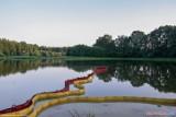 Zanieczyszczony wyciekiem ropy teren przy zbiorniku na Mrodze w Rogowie zostanie zrekultywowany. Prace już trwają