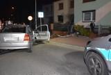 Grodzisk: Kierowca uderzył w drugie auto i wjechał w płot. Został zatrzymany