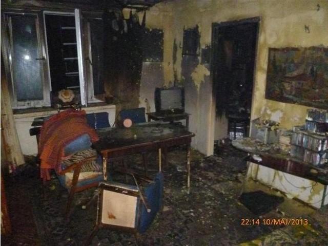 Ogółem strażacy ewakuowali z budynku 36 osób. Trzy osoby poszkodowane (2 starsze kobiety i noworodka), z objawami lekkiego podtrucia dymem, przekazane zostały przybyłemu na miejsce zespołowi pogotowia ratunkowego. Mężczyzna, w którego mieszkaniu wybuchł pożar, ewakuował się z niego samodzielnie, jeszcze przed przybyciem służb ratowniczych.  Zobacz też: Mecz Stomil Olsztyn - GKS Tychy [ZDJĘCIA]