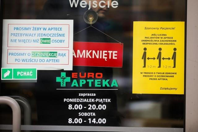 Szczepionek przeciw grypie próżno szukać w aptekach, przeważnie nie są też dostępne dla pacjentów przychodni ani pracowników firm