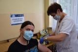 """Akcja szczepień przy opolskich kościołach skusiła nie tylko wiernych. """"Spodziewamy się obostrzeń dla niezaszczepionych"""""""