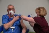 Szczepienia w Polsce. Ruszyła rejestracja osób powyżej 70. roku życia