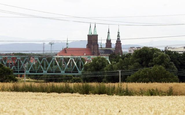 Tak wygląda Legnica widziana z wysokości ulicy Szczytnickiej.