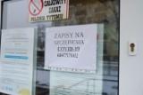 Seniorzy w Żarach już się szczepią