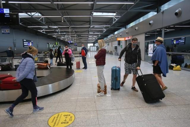 Obowiązkowa kwarantanna dla osób przyjeżdżających z Wielkiej Brytanii. Powodem rozprzestrzeniający się wariant Delta