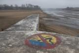 Duże jezioro bez wody! Co leżało na dnie? Zobacz niecodzienne zdjęcia Jeziora Maltańskiego w Poznaniu