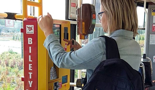 Rada Miejska w Łodzi wprowadziła zmiany korzystne dla pasażerów komunikacji miejskiej.  CZYTAJ DALEJ NA NASTĘPNYM SLAJDZIE