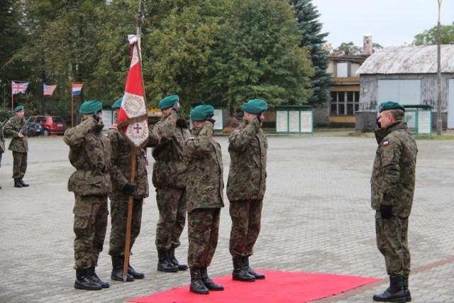 Uroczyste przejęcie obowiązków dowódcy przez ppłk Artura Gruszczyka.