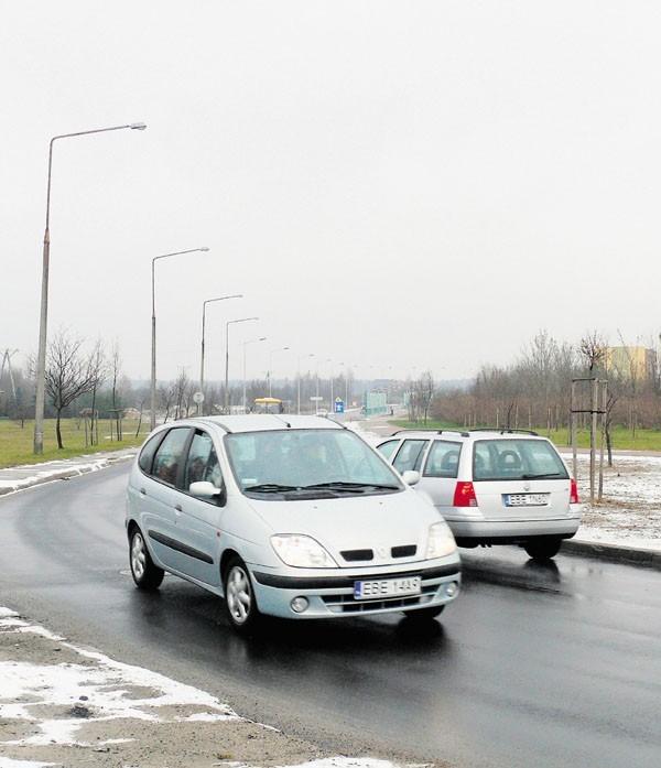 Już w przyszłym roku ostry zakręt na alei Wyszyńskiego zamieni się w rondo