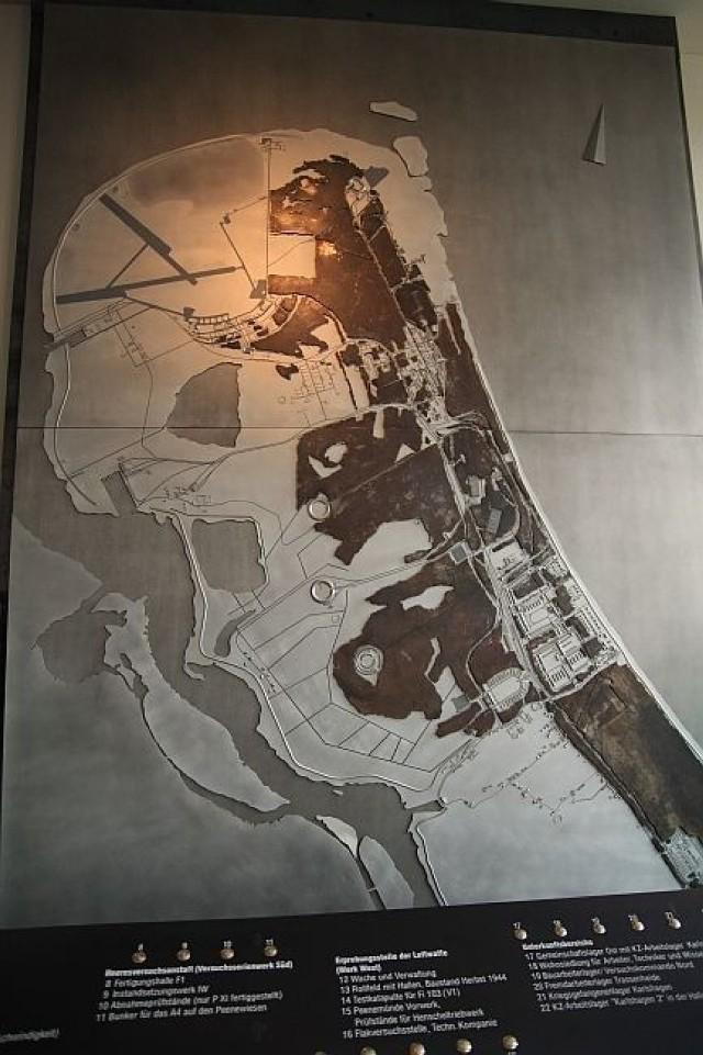 Mapa Peenemünde. Samo muzeum jest dość słabo znane. Do lat 90. była to baza wojsk lotniczych. Fot. Tomasz Hens