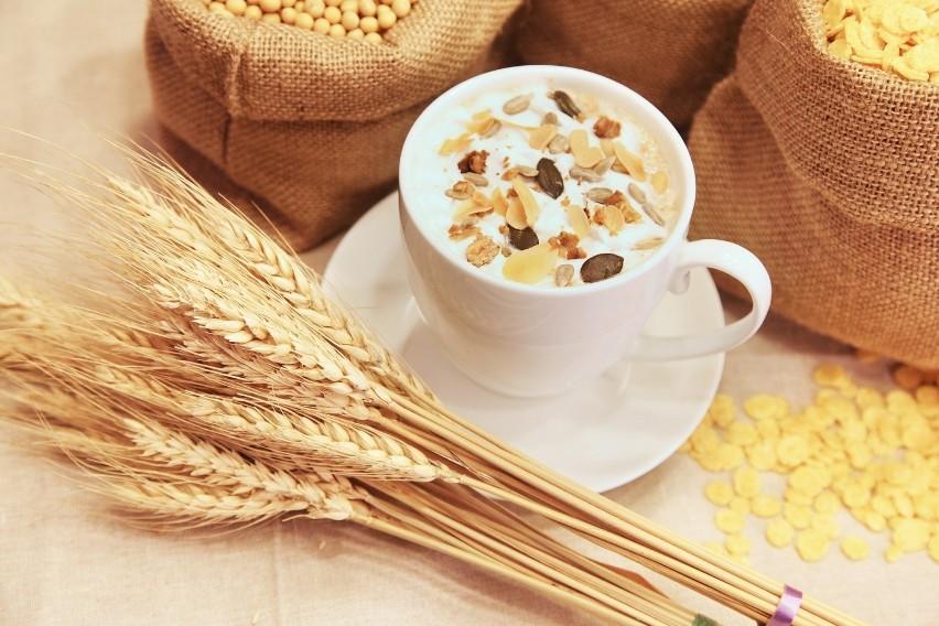 Produkty, które nie zawierają glutenu: ryż biały i brązowy,...