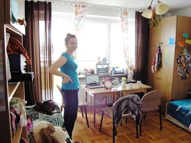 Studenci urządzają pokoje na swój sposób. Dzięki temu jest oryginalnie, ładnie i kolorowo. No jeszcze ten widok z okna na Szyndzielnię!