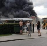 Pożar fabryki styropianu w Świeciu. Ogromne kłęby dymu nad miastem. Zobacz zdjęcia
