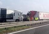 Wypadek dwóch TIRów na A4 w Gliwicach. Uwaga na korki w okolicy bramek