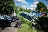 Wypadek koło OSP w Brudzewicach. Zderzyły się dwa samochody, dwie osoby poszkodowane ZDJĘCIA