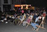 Seans kina plenerowego na Rynku w Wągrowcu. Zobacz zdjęcia