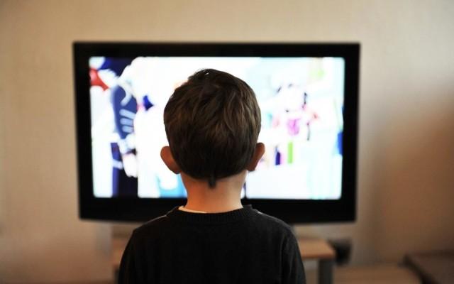 W czasie ogólnokrajowej kwarantanny, kiedy szkoły i przedszkola są zamknięte, warto zapewnić naszym pociechom dobrą rozrywkę. Z pomocą przychodzi Netflix, ale też wiele innych platform VOD, dzięki którym żaden malec nie będzie się nudzić!  Przejdź do galerii i sprawdź propozycje --->