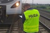 Pociąg w Katowicach potrącił mężczyznę. Mogło dojść do tragedii. Poszkodowany trafił do szpitala