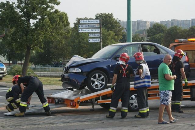 Samochody zderzyły się na skrzyżowaniu ul. Kołłątaja i 11 Listopada
