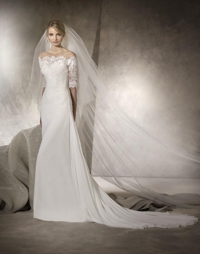 Kolekcja La Sposa 2017 to suknie z hiszpańskim glamour i lekkością iberyjskiego wiatru. Ceny sukien La Sposa od 5500 zł do 7600 zł
