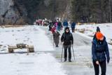 Tatry. Na szlakach tłumy turystów. Niespokojna sobota w górach, dwie akcje TOPR