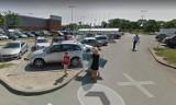 Ci wrocławianie zostali przyłapani przez kamery Google Street View na zakupach. Jesteś wśród nich? (ZDJĘCIA)