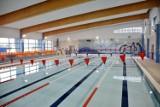 Basen w Pruszczu przy SP nr 4 ponownie otwarty. Można pływać na krytej pływalni. Obowiązują obostrzenia