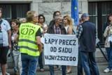 W obronie demokracji i wolności. Protest KOD pod budynkiem sądu w Bydgoszczy [zdjęcia]