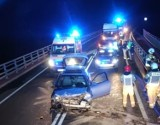 Wypadek na trasie 196 w Skokach. Na miejscu interweniowały służby ratunkowe