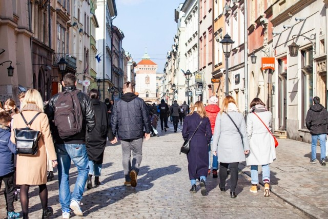 Kraków odwiedziło o ponad 70 proc. mniej turystów niż w 2019 r. Tu najtrudniej będzie nadrobić straty, zwłaszcza wynikające z ubytku turystów zagranicznych