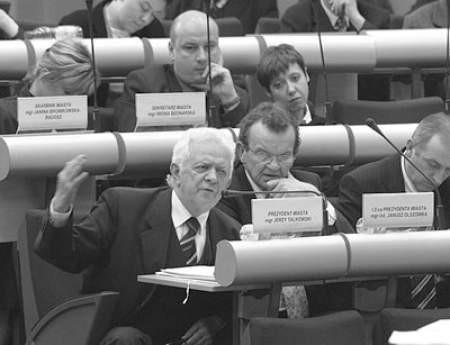 Władze miasta (prezydent Jerzy Talkowski z lewej) od początku miały nadzieję na korzystny dla nich werdykt RIO.