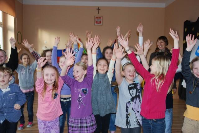Dzieci są zadowolone, że nie muszą przenosić się do innych szkół
